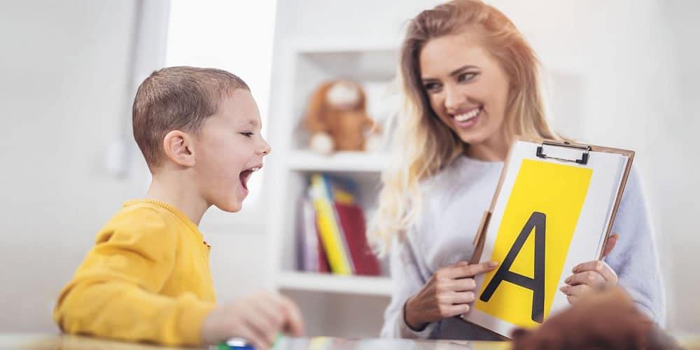 Quale linguaggio utilizzare quando si parla di autismo, e perché